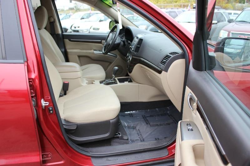 Hyundai Santa Fe 2010 price $6,900
