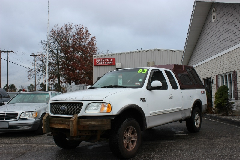 Ford F-150 2003 price $2,700