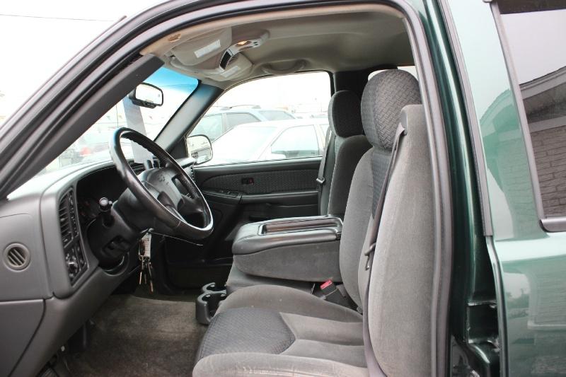 Chevrolet Avalanche 2003 price $3,900