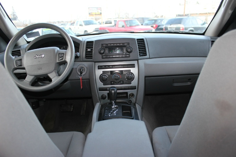 Jeep Grand Cherokee 2005 price $3,999