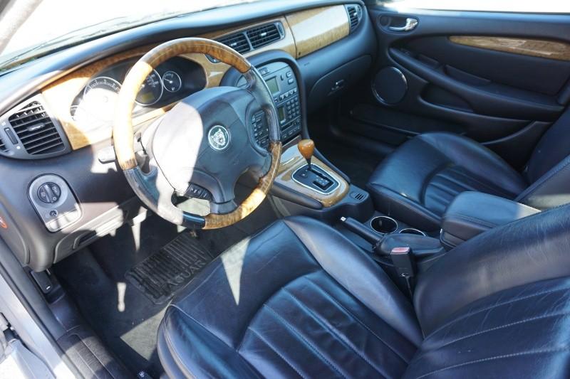 Jaguar X-TYPE 2004 price $1,999