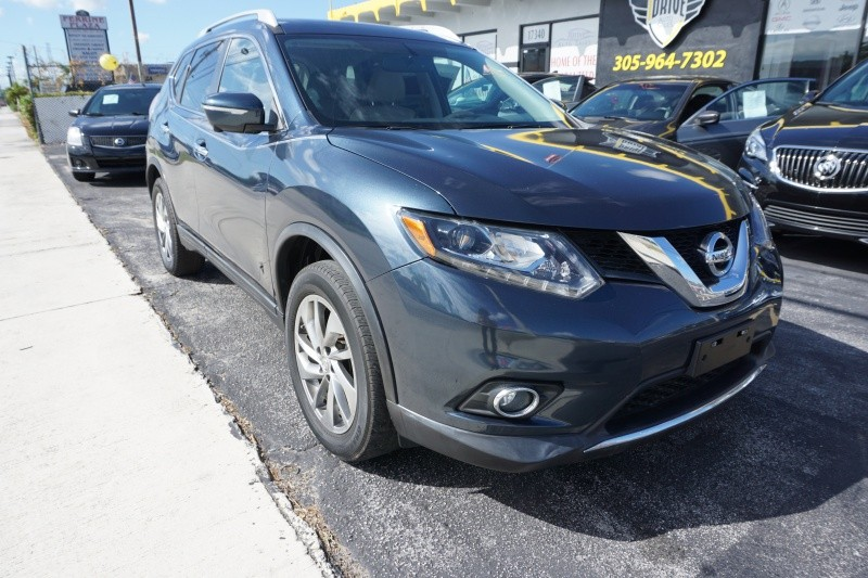Nissan Rogue 2015 price $9,999