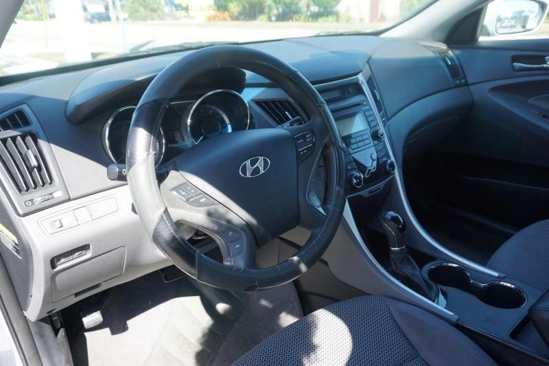 Hyundai Sonata 2012 price $6,399