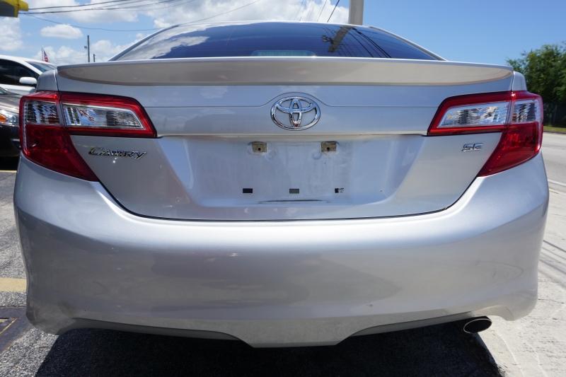 Toyota Camry 2014 price $10,499