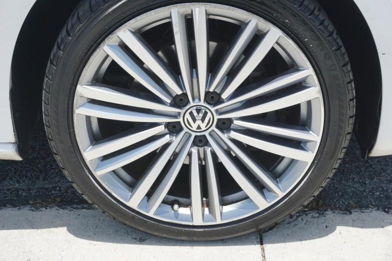 Volkswagen Passat 2014 price $8,499