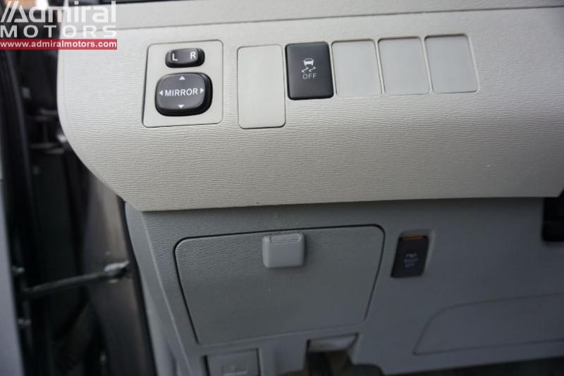 Toyota Sienna 2014 price $15,700