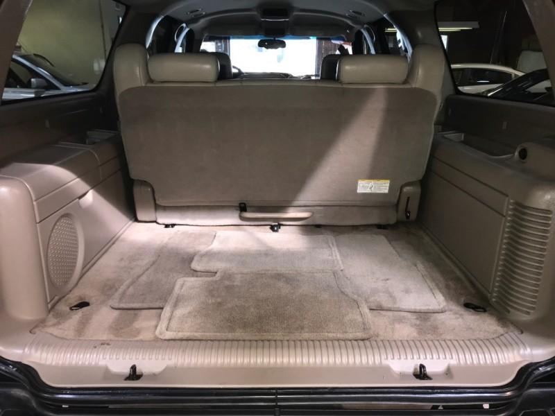 Chevrolet Suburban 2005 price $8,250