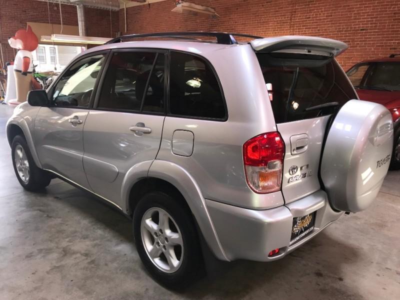 Toyota RAV4 2002 price $5,200