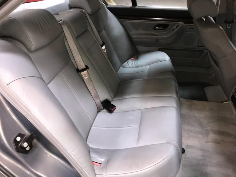 BMW 7-Series 2001 price $3,200