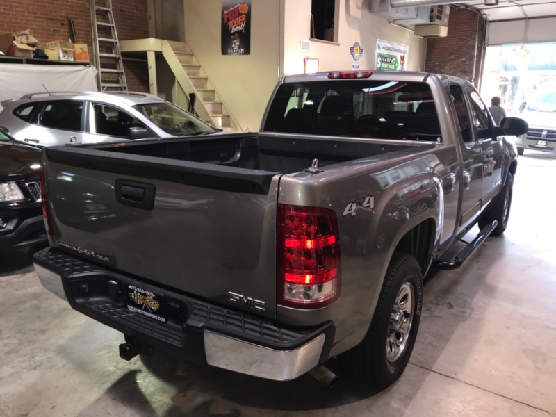 GMC Sierra 1500 2007 price $10,199