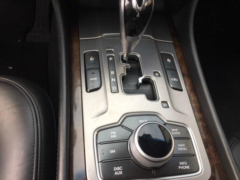 Hyundai Equus 2011 price $13,950