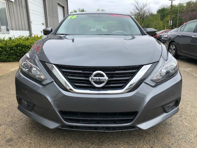 Nissan Altima 2016 price $12,950