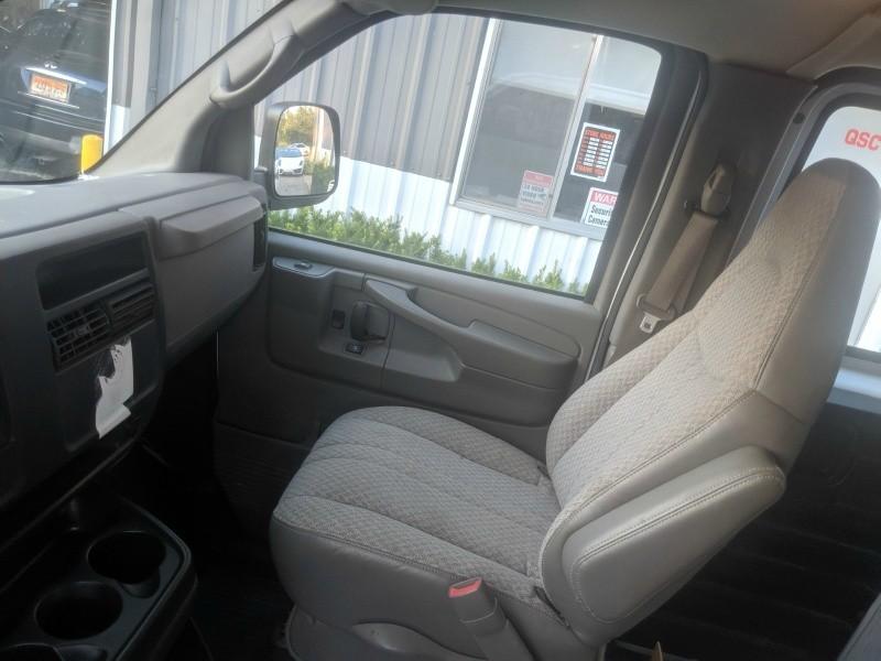 Chevrolet Express Cargo Van 2005 price $10,900