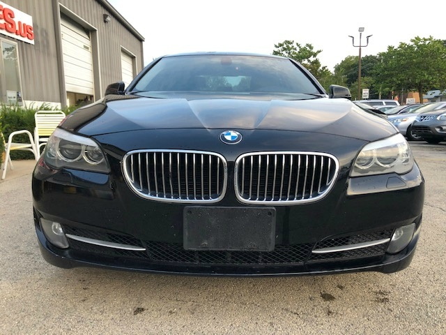 BMW 5-Series 2011 price $10,200