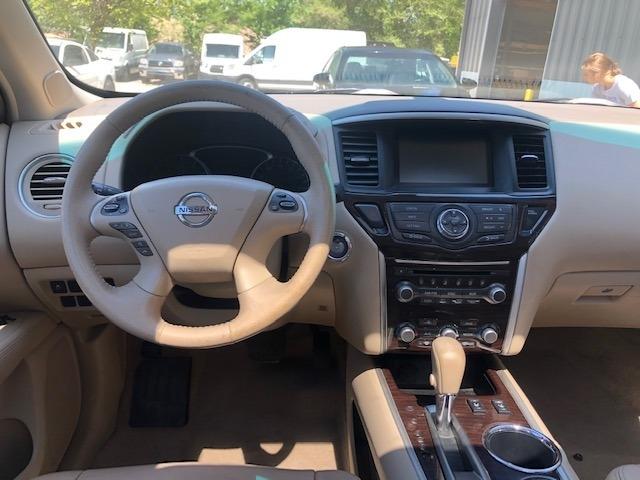 Nissan Pathfinder 2013 price $11,200