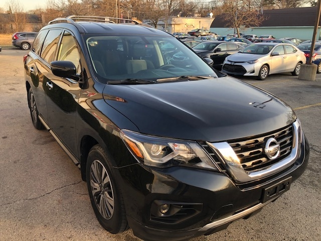 Nissan Pathfinder 2017 price $13,800