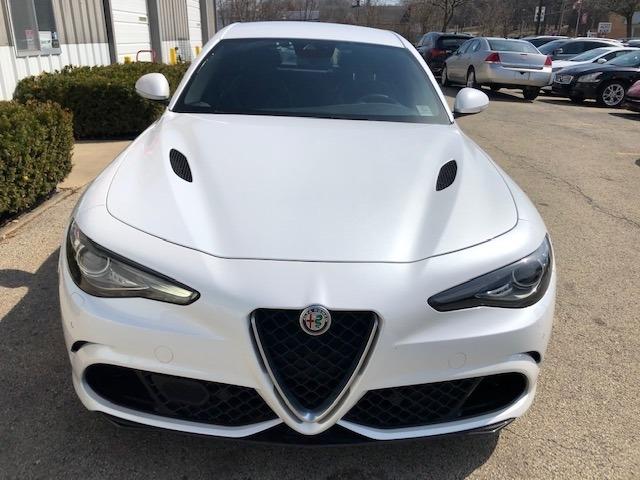 Alfa Romeo Giulia Quadrifoglio 2017 price $34,900