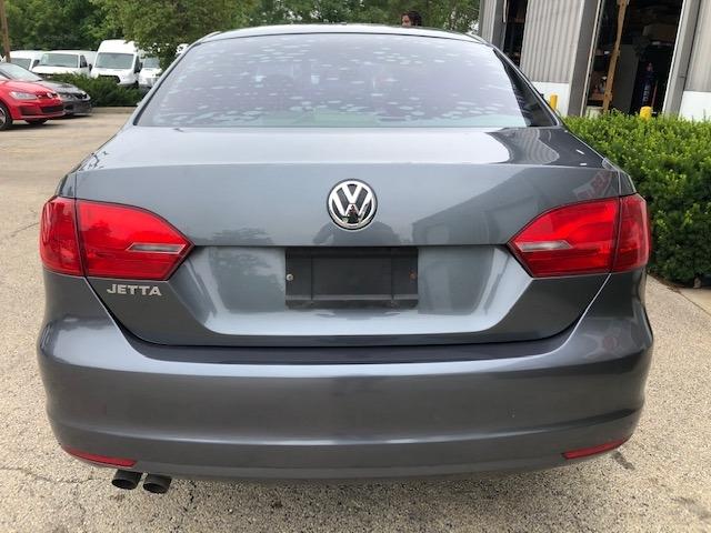 Volkswagen Jetta Sedan 2011 price $5,950
