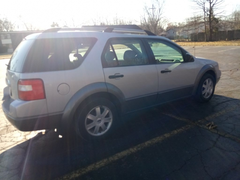 Ford Freestyle 2005 price $2,000
