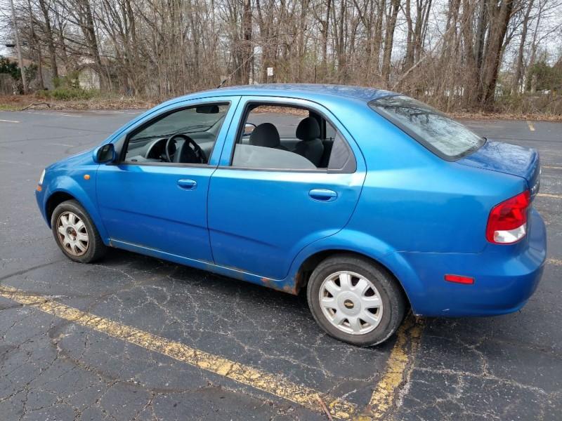 Chevrolet Aveo 2004 price $1,500