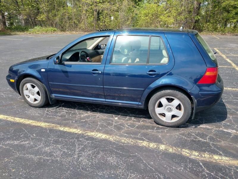 Volkswagen Golf 2002 price $2,500