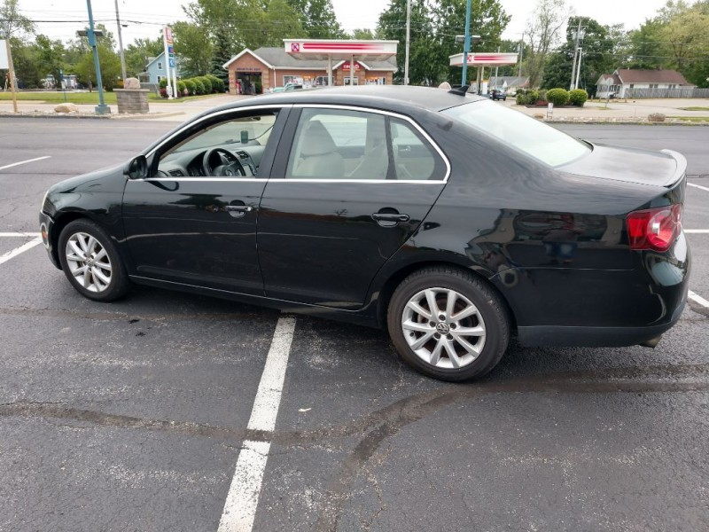 Volkswagen Jetta Sedan 2010 price $3,500