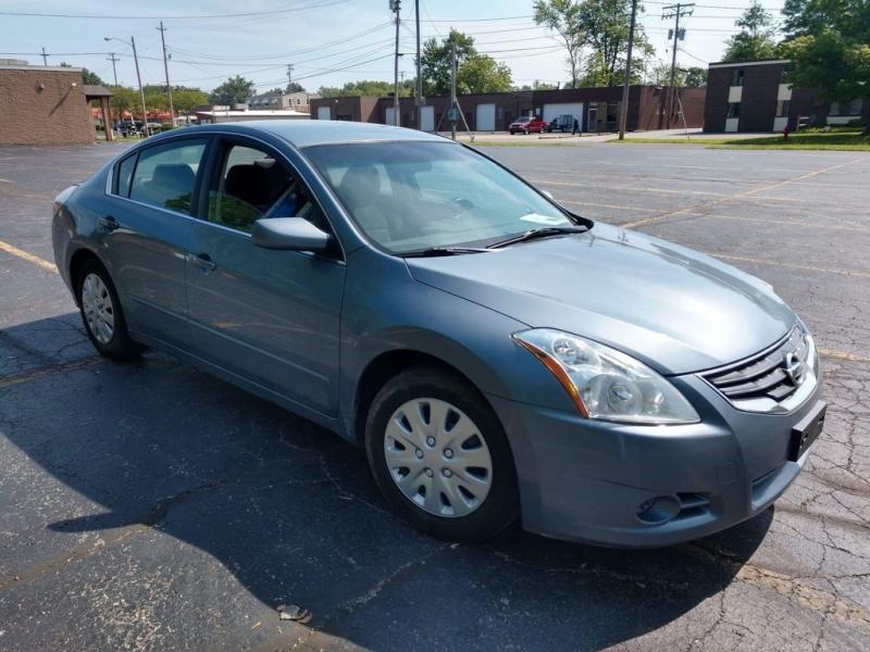 Nissan Altima 2011 price $4,200