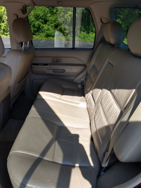 Nissan Pathfinder 2001 price $2,200