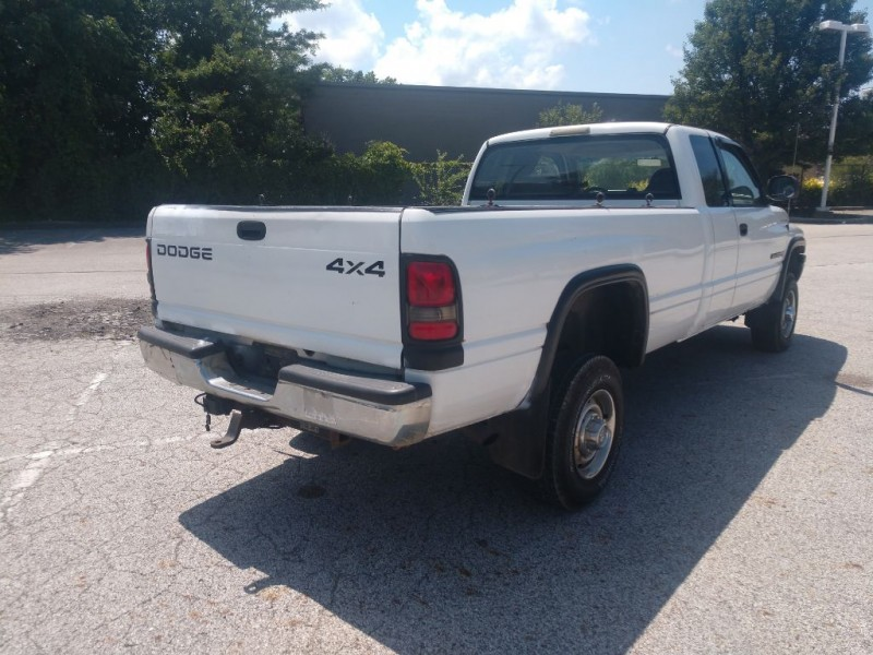 Dodge Ram 2500 2001 price $3,400