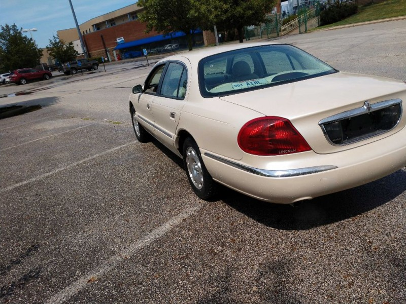 Lincoln Continental 1999 price $1,880