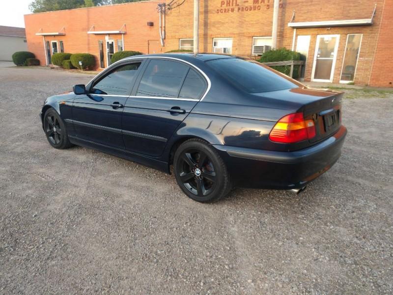 BMW 3 Series 2005 price $2,995