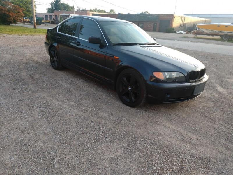 BMW 3 Series 2005 price $2,800