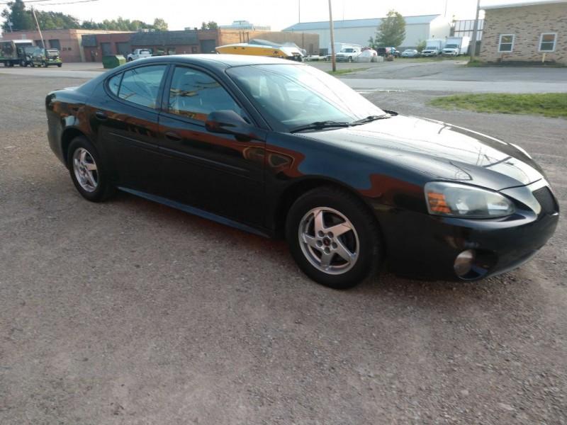 Pontiac Grand Prix 2004 price $3,500