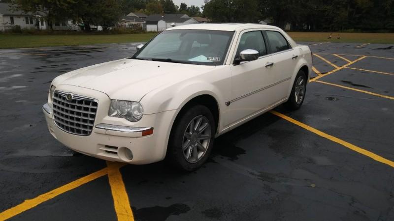 Chrysler 300 2007 price $4,995