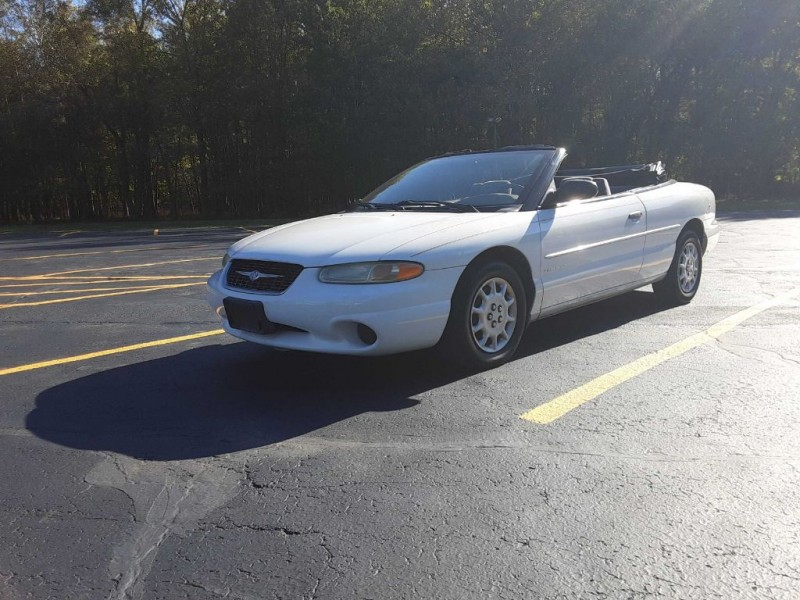 Chrysler Sebring 2000 price $2,200