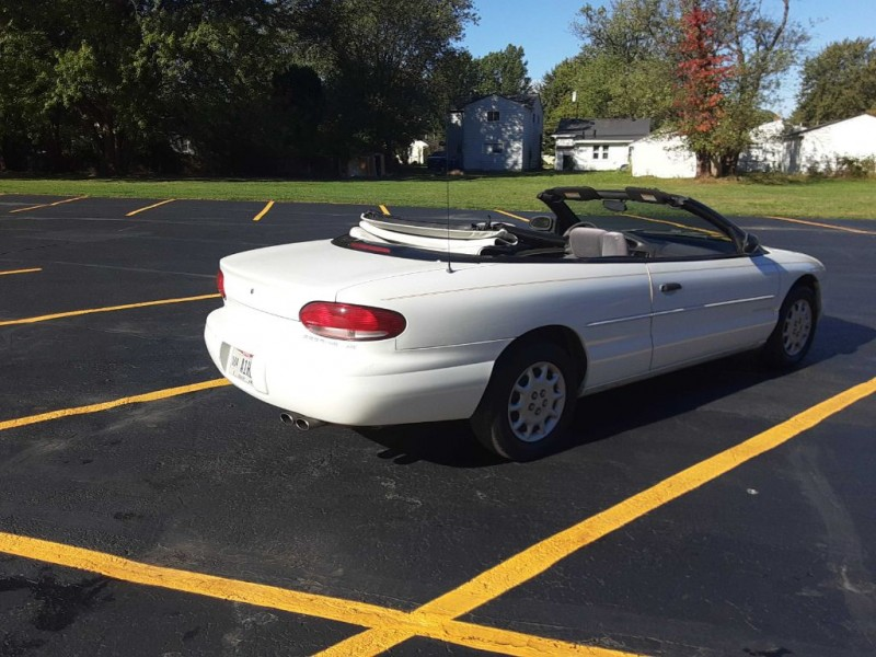Chrysler Sebring 2000 price $1,800