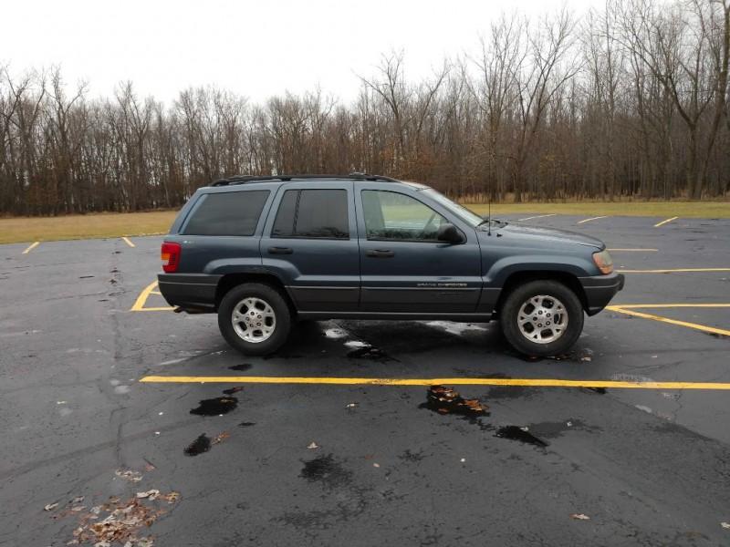Jeep Grand Cherokee 2001 price $2,200