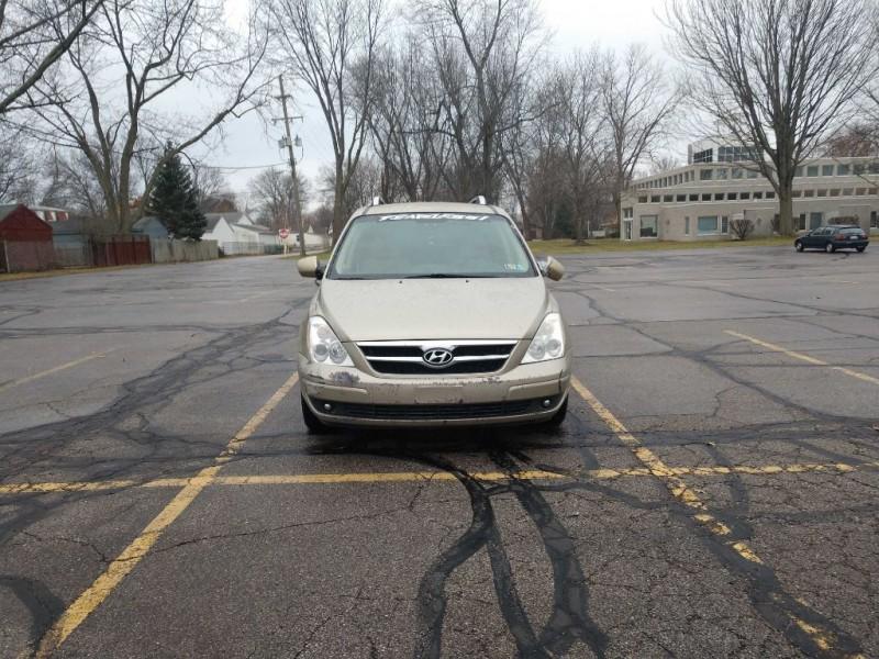 Hyundai Entourage 2007 price $995