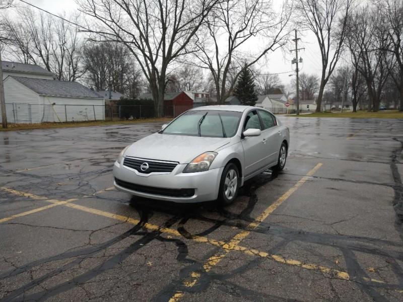 Nissan Altima 2008 price $3,500