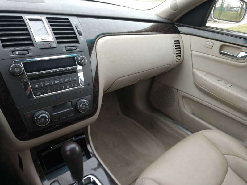Cadillac DTS 2009 price $2,500