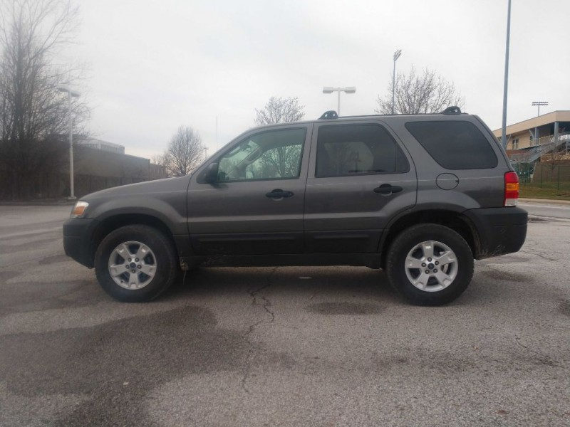 Ford Escape 2006 price $3,995