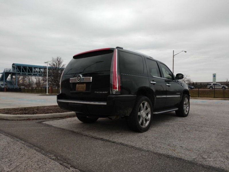 Cadillac Escalade 2007 price $13,500
