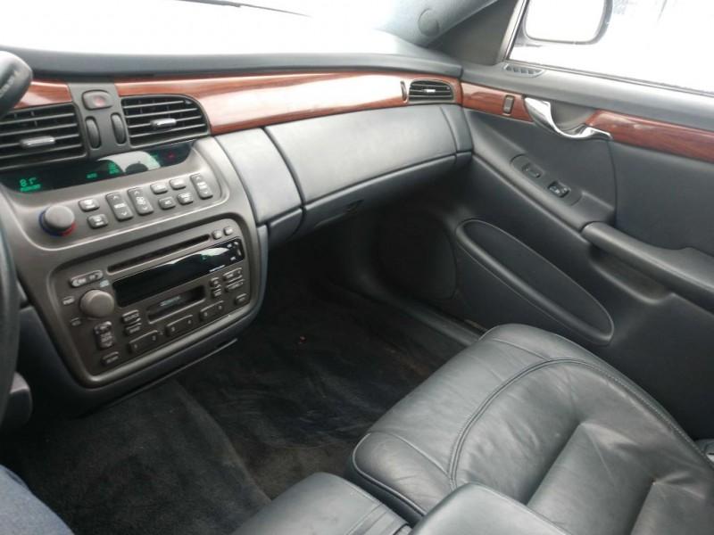 Cadillac DeVille 2003 price $2,500
