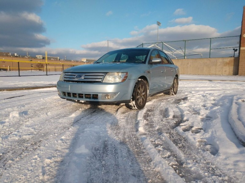 Ford Taurus 2008 price $2,800