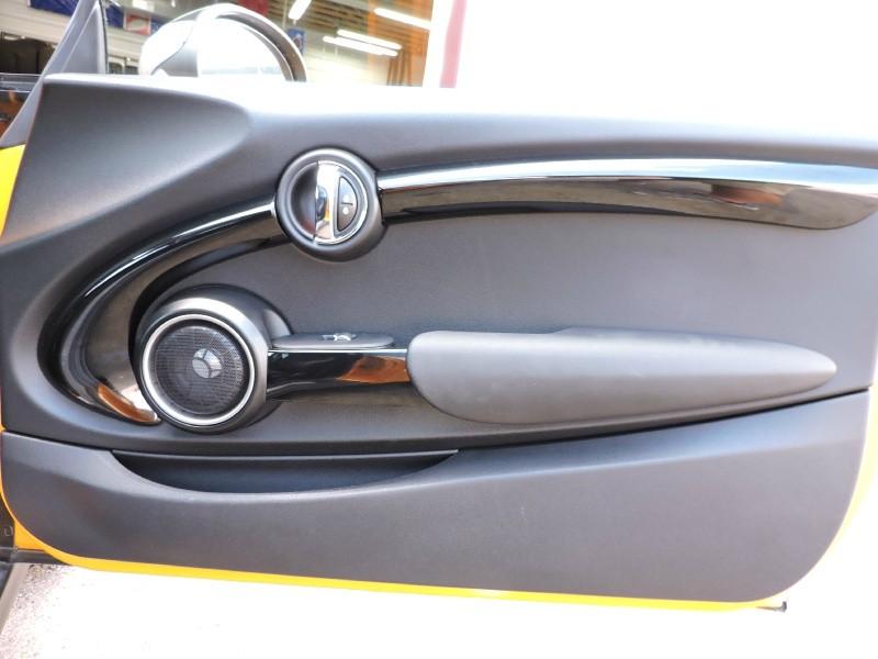 Mini Cooper Hardtop 2015 price $15,995