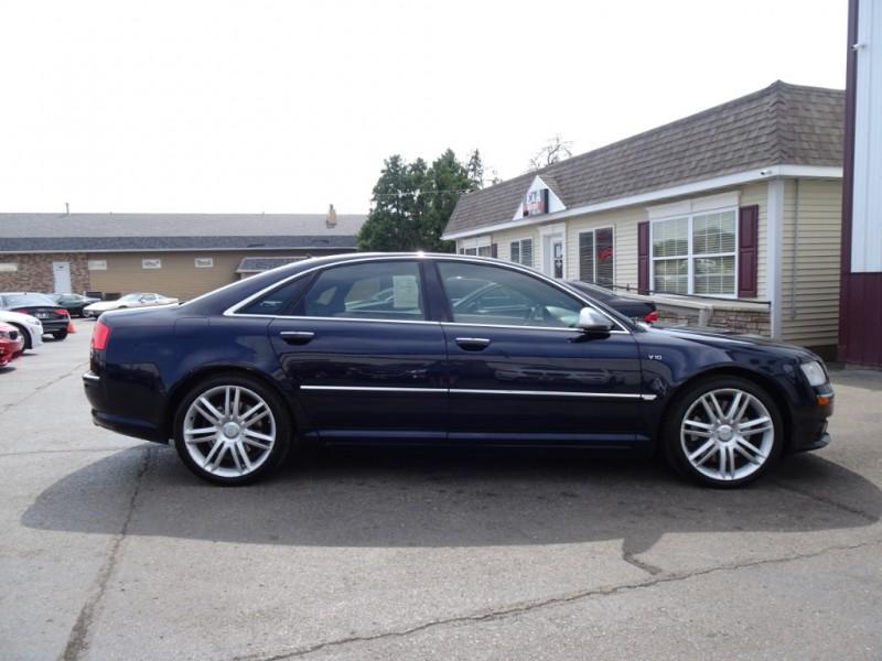 Audi S8 2007 price $11,900