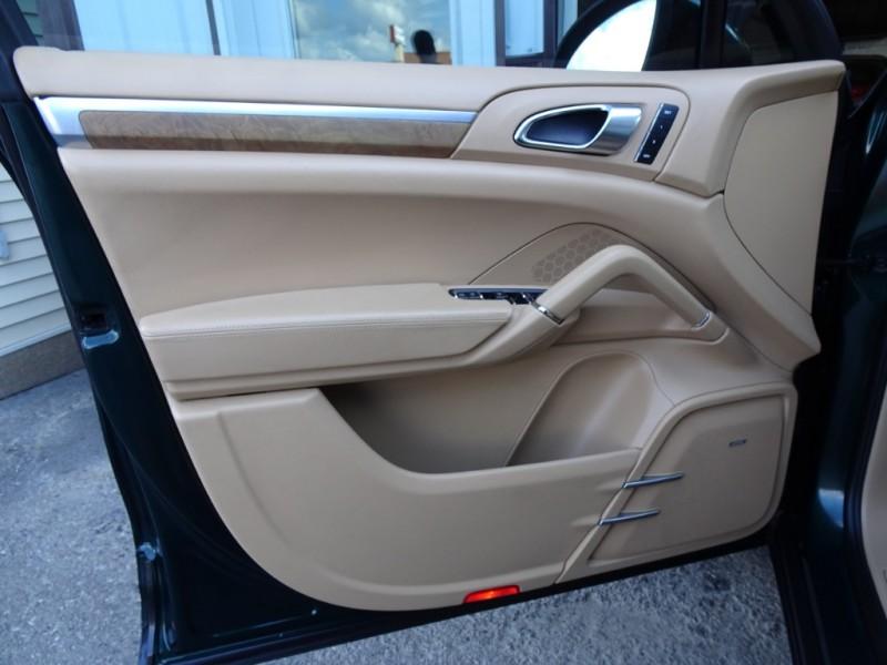 Porsche Cayenne 2011 price $19,500