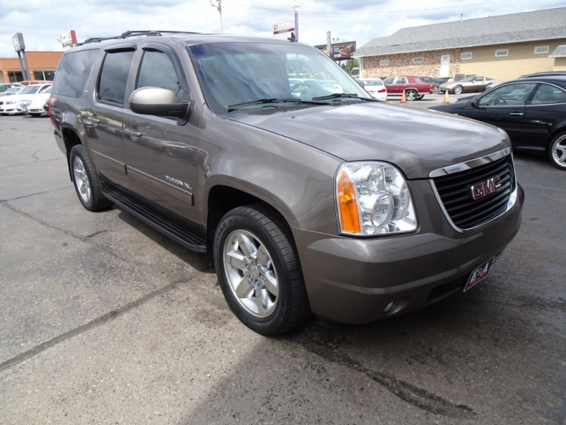 GMC Yukon XL 2011 price $9,500