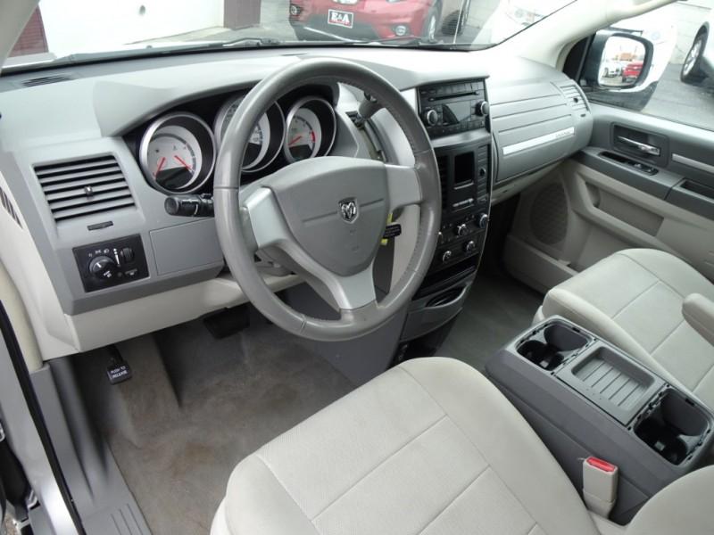 Dodge Grand Caravan 2008 price $4,995