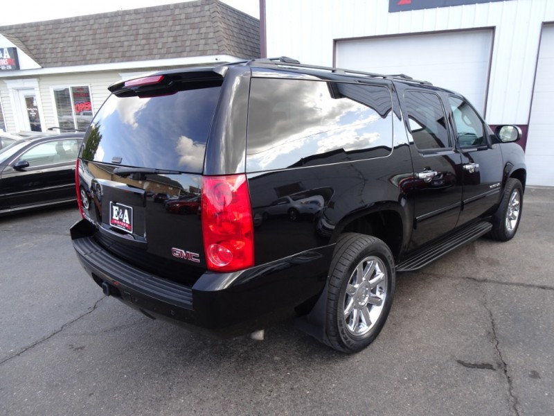 GMC Yukon XL 2011 price $16,500